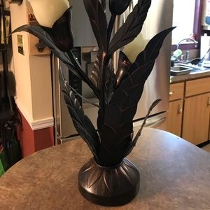 Accents - Metal battery operated flower light